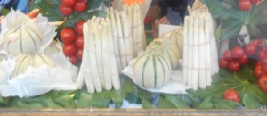 Photo 1 White Asparagus in France shop window