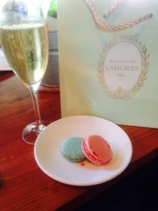 Photo #8 Macaroon and Champagne